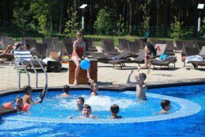 В Новосибирске открылись открытые бассейны