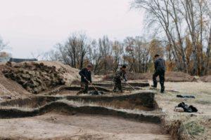 Новосибирские археологи воссоздали облик первых русских поселенцев